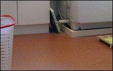 脱衣所の床材はコルクがおすすめ!エコ暖房で寒さ対策